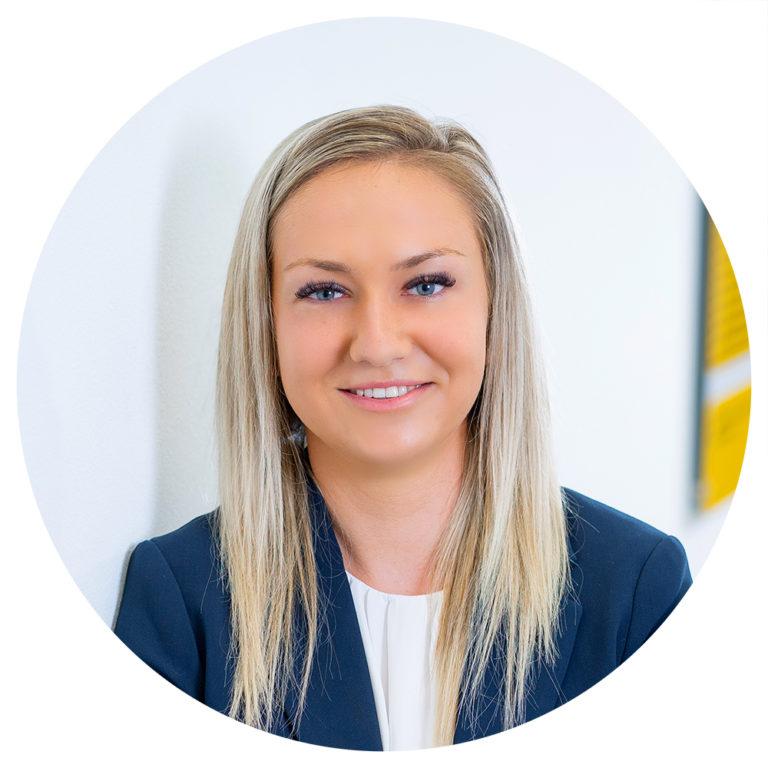 Sandra Grzywna– staatlich geprüfte Versicherungsmaklerin
