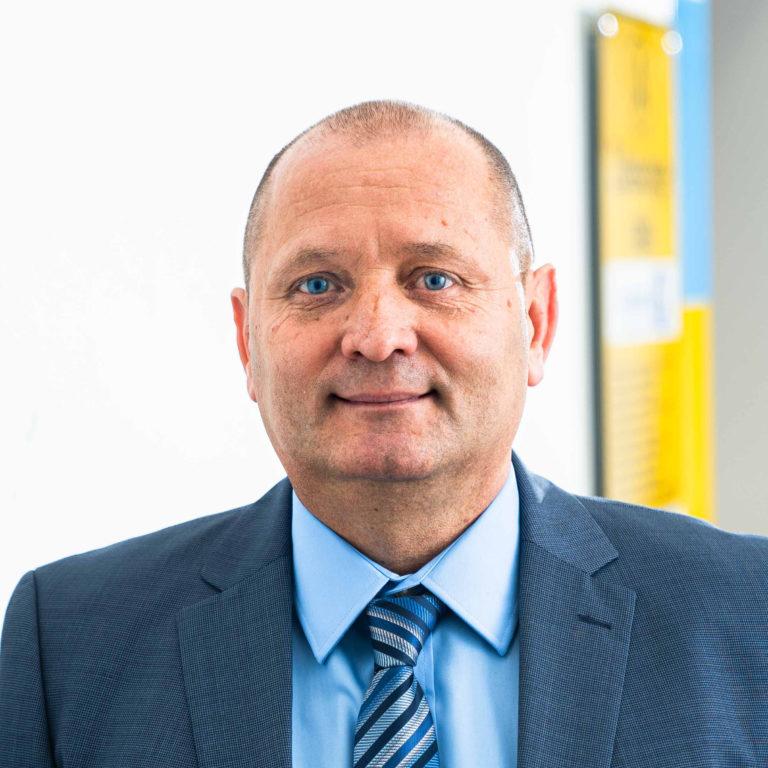 Viorel Tatar  - Gründer, Geschäftsführer, Verkauf